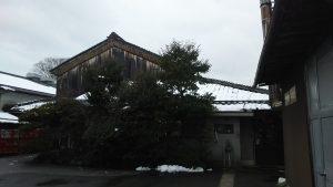 蔵の雪化粧写真
